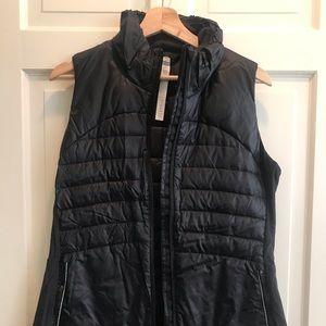 Lululemon Down For A Run Vest II NWT 12 Black